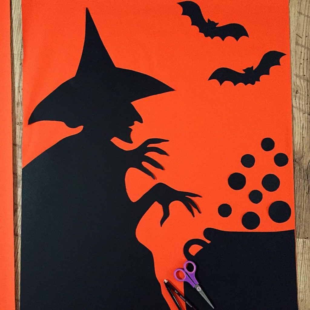 DIY Halloween decorations are go! happyhalloween wickedwitch papercraft craftingwithkids Continuehellip